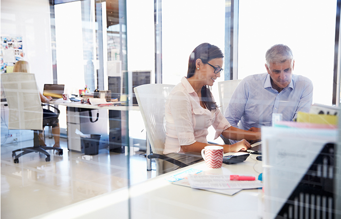office-desk-work-workers-business-company-4-700x450