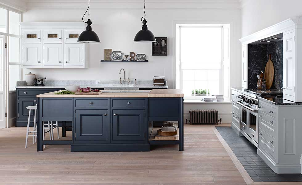 Grey painted kitchen by 1909