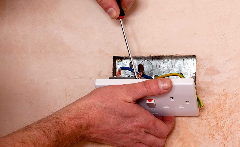 Installing a new socket