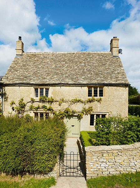 grade II listed cotswold stone cottage