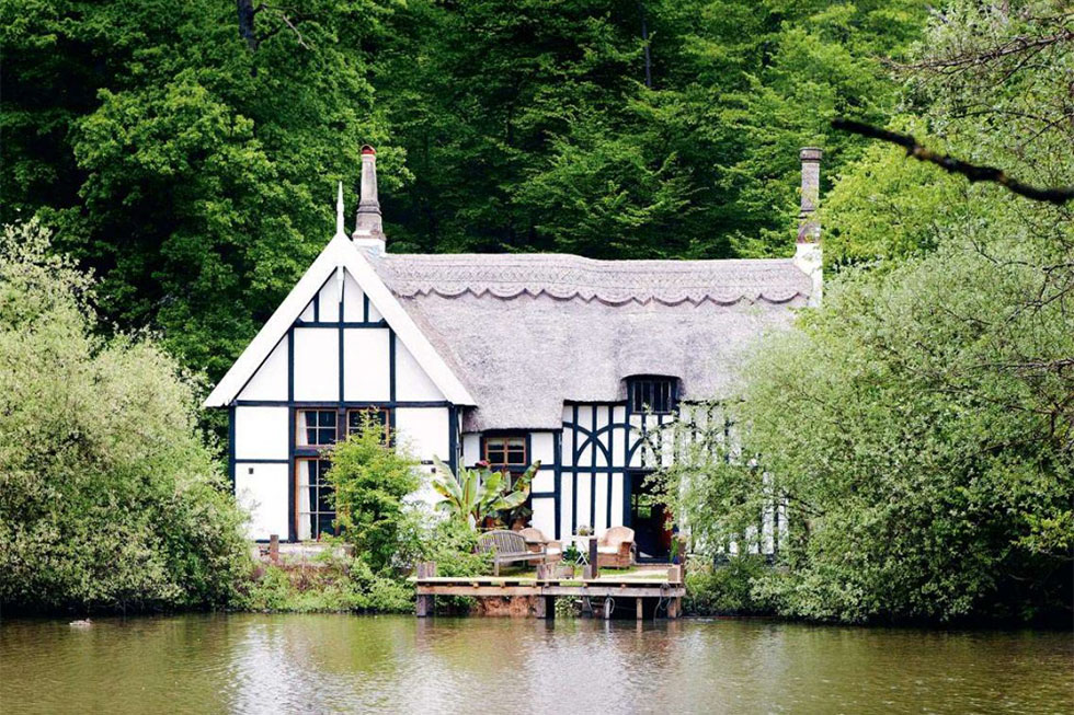 listed timber frame thatched cottage renovation