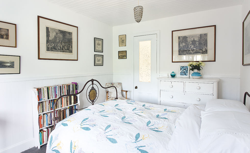 18th century crost cottage master bedroom
