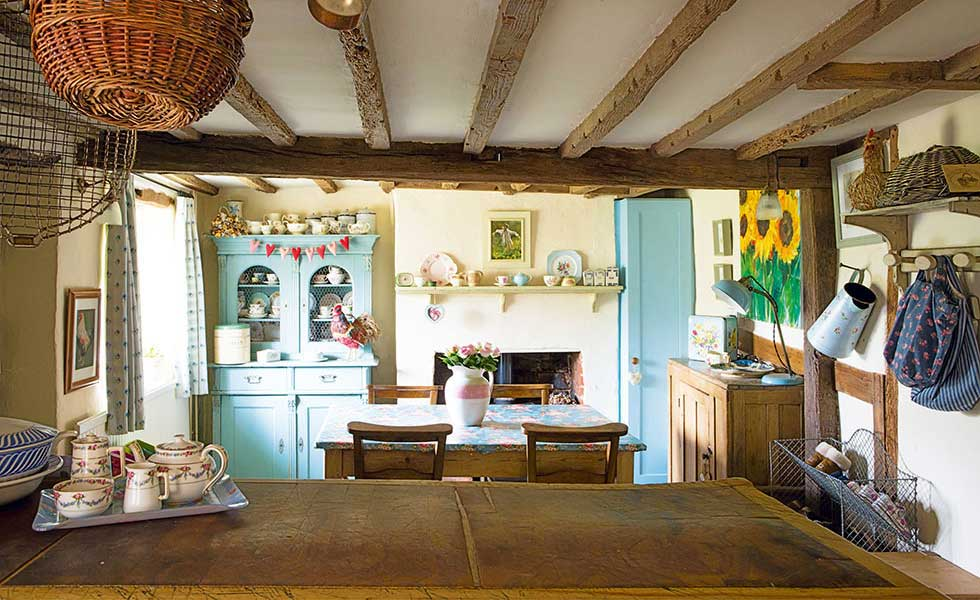 country cottage kitchen diner