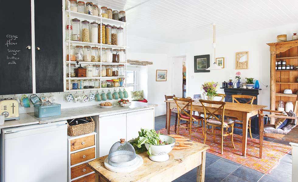 highland cottage kitchen diner