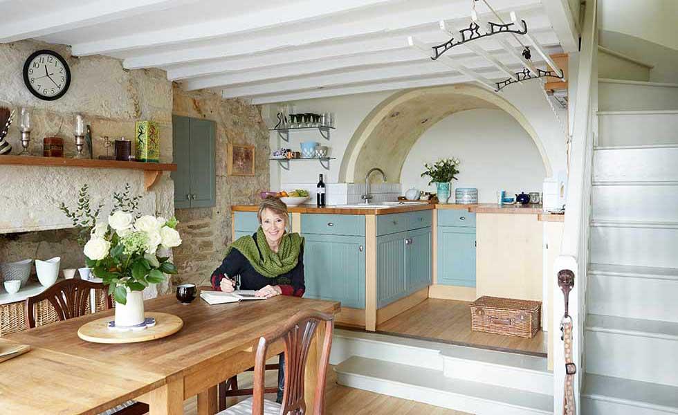 wool weavers cottage kitchen diner