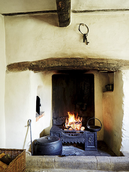 original fireplace with bread oven and salt shelf