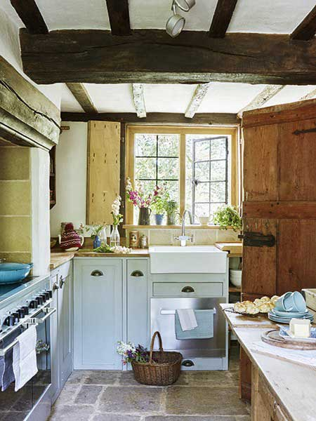 16 traditional country kitchen ideas period living for English country cottage kitchen