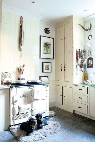 16 traditional country kitchen ideas period living for Georgian farmhouse interiors