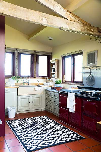 Timber barn conversion country kitchen