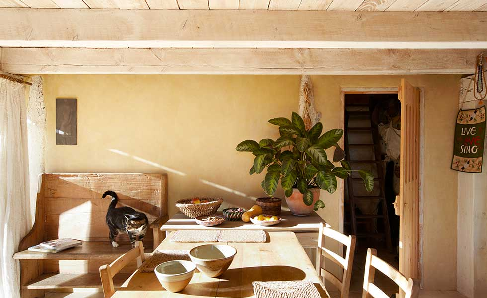 a pigmented clay plaster by Clayworks gives a matt, mellow feel to walls