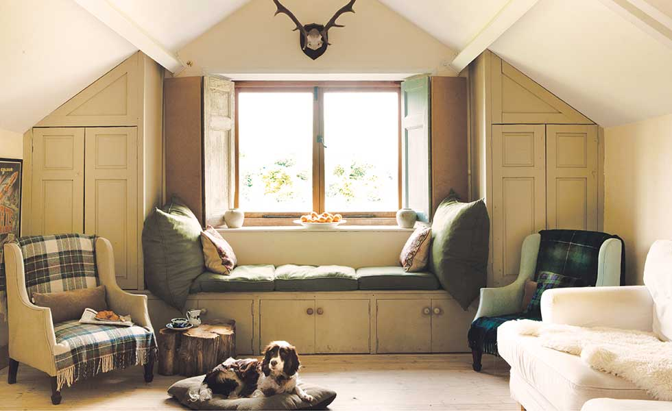 Maximise space with built-in storage and a window seat