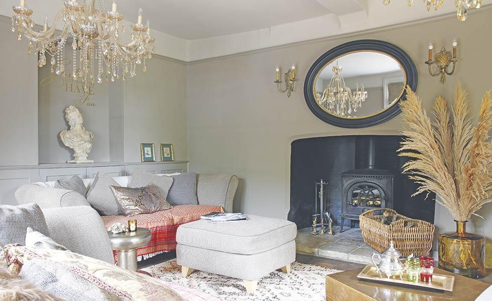 Elegant oriental inspired sitting room in silt by little greene