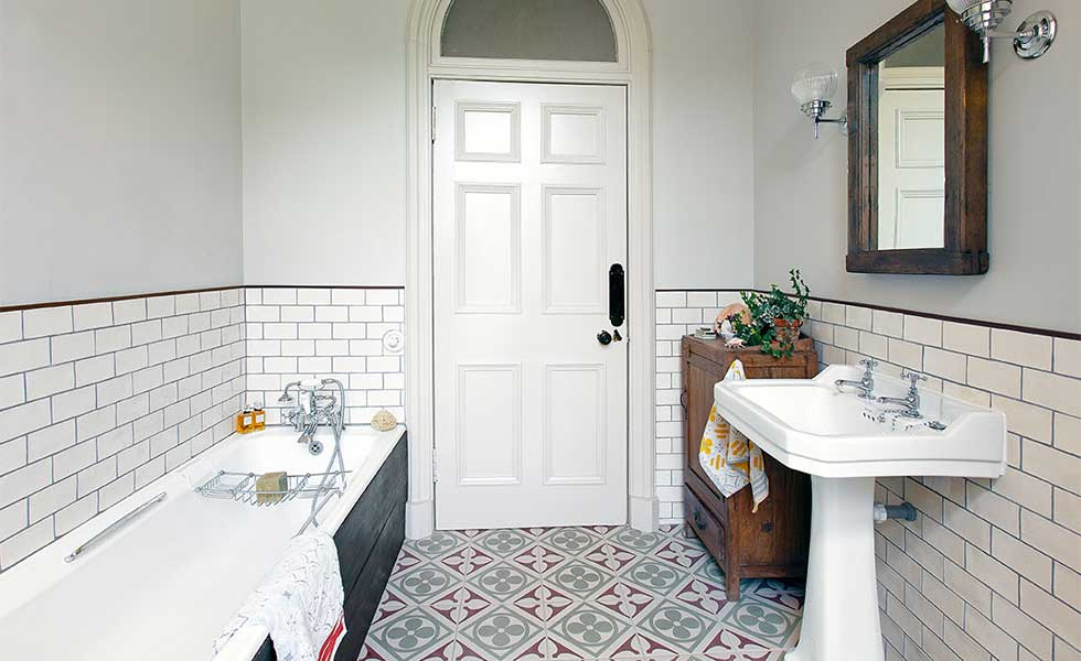 Choosing the right size tiles for a small bathroom for Best tiles for small bathroom