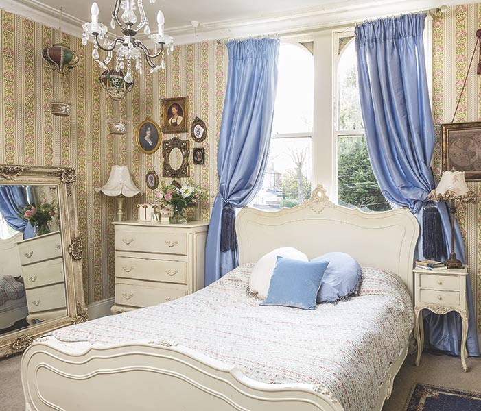 vintage chintz bedroom