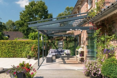 Enjoying the garden all year round with a Solarlux glass house