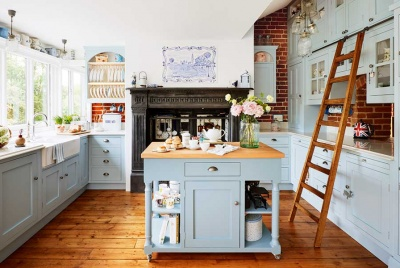 April kitchen with island