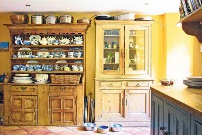 Welsh dressers in a freestanding kitchen