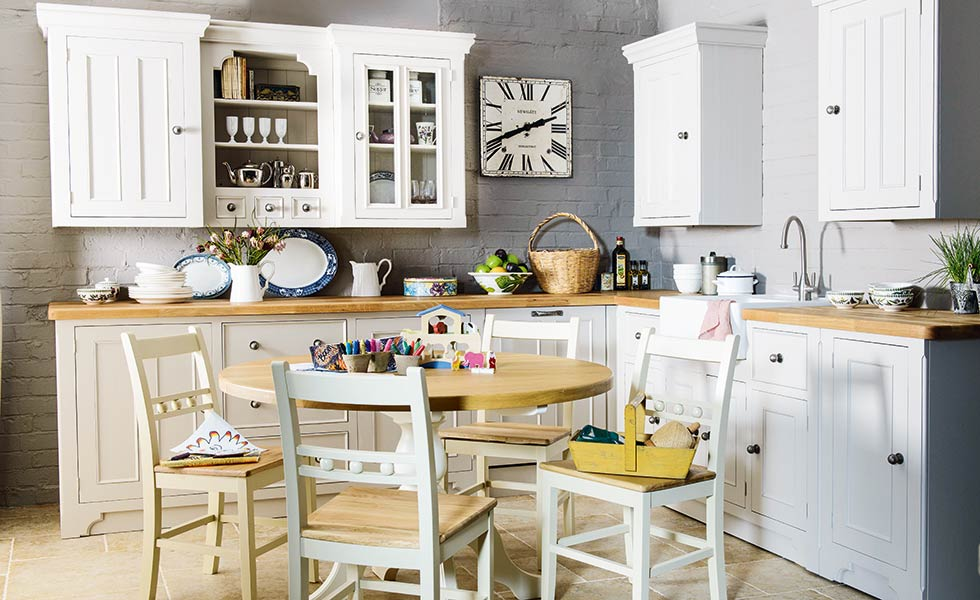 11 handmade kitchen ideas period living for Old english kitchen designs