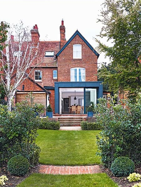 Victorian semi with steel-clad kitchen-diner extension