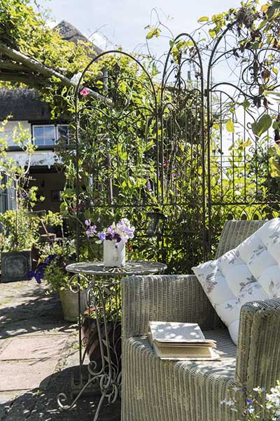 cottage garden furniture vintage trellis