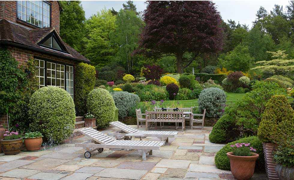 garden terrace area
