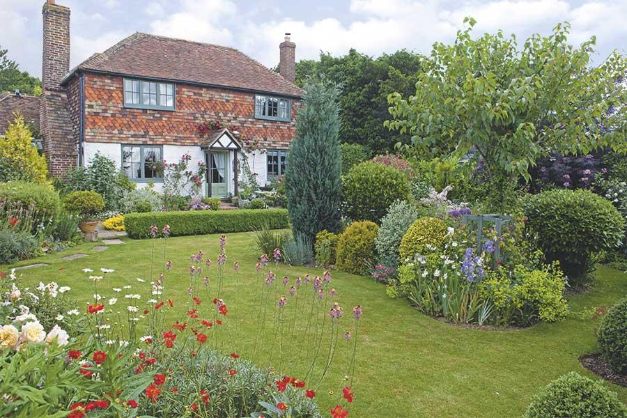 17th century cottage garden