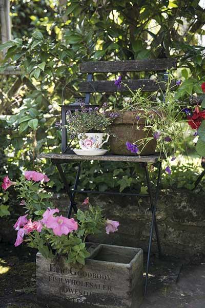 cottage garden antiques
