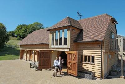 english heritage buildings couple