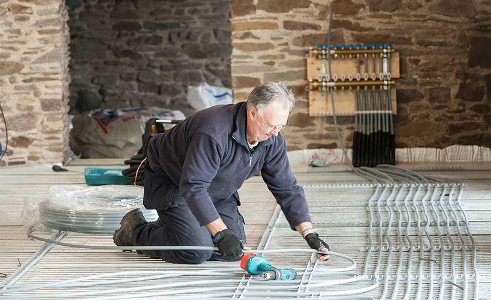 Installing-underfloor-heating
