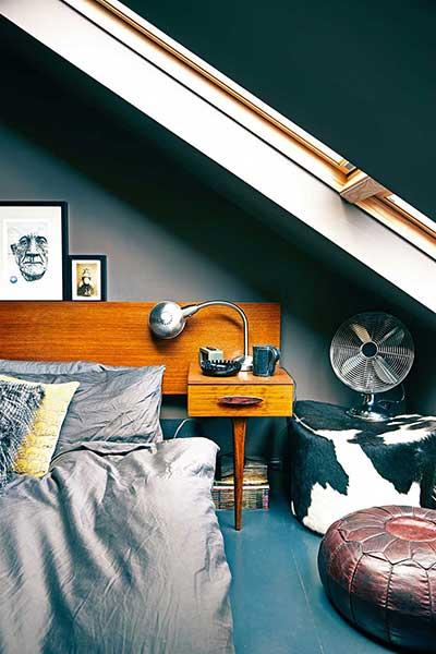 oliver-duplex-apartment-loft-bedroom-dark