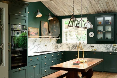 Dramatic green kitchen makeover