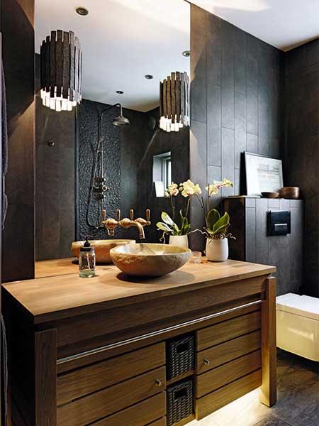 dark decorating ideas for a small bathroom