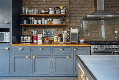 dark brick decorating ideas in an industrial kitchen