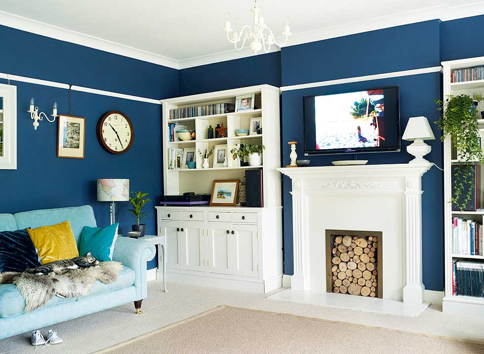 Blue Living Rooms : 16 atmospheric and dark decorating ideas - Real Homes