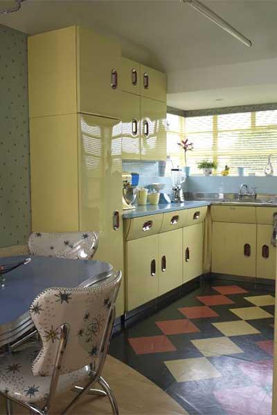 vintage-style-retro-1950s-kitchen-3