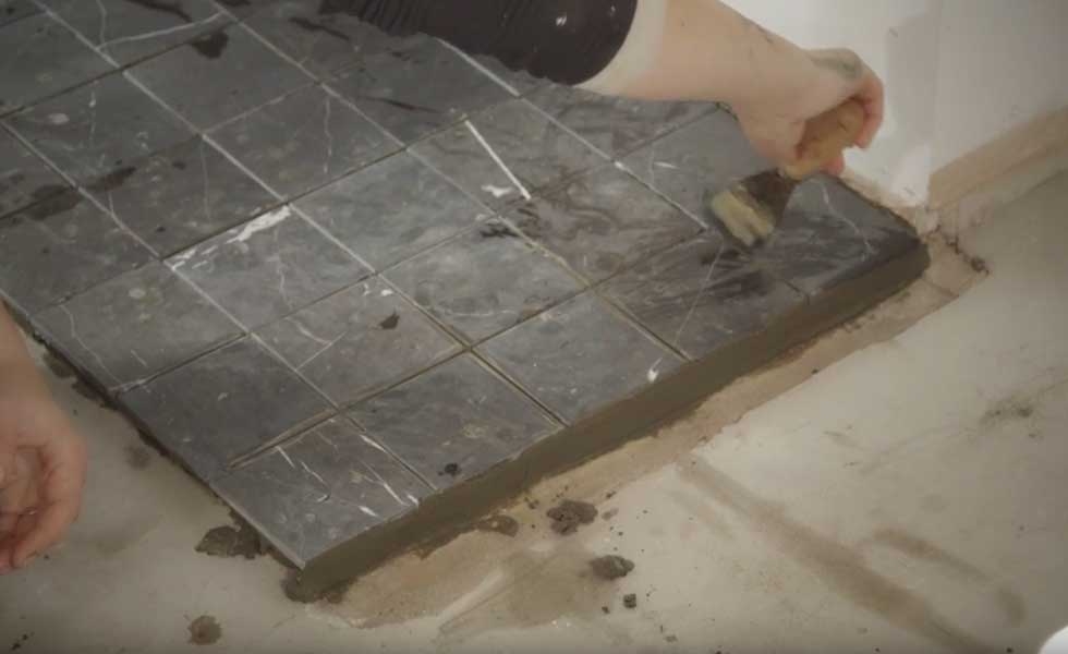 checking-grout-lines
