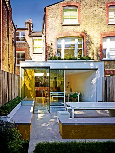The Owners Of This London Terraced House Dug Down To Create A New Bat Adding A Light Well And Glazed Doors To Fill The Space With Light