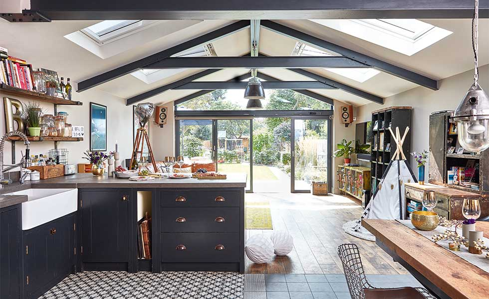 Industrial-style kitchen extension