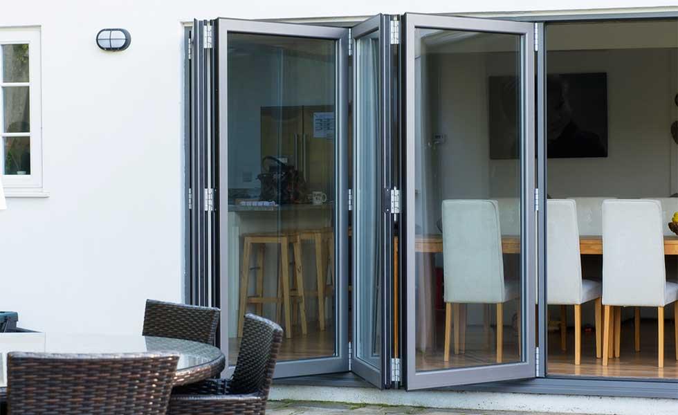 Aluminium_bi_fold_doors