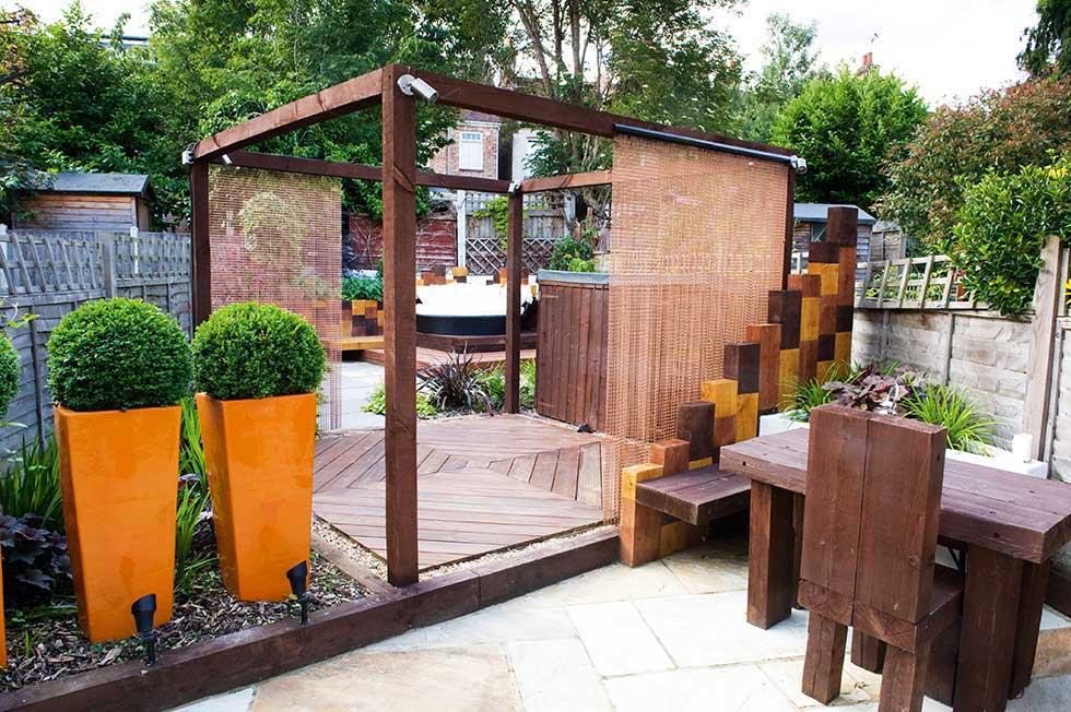 brown-garden-decking