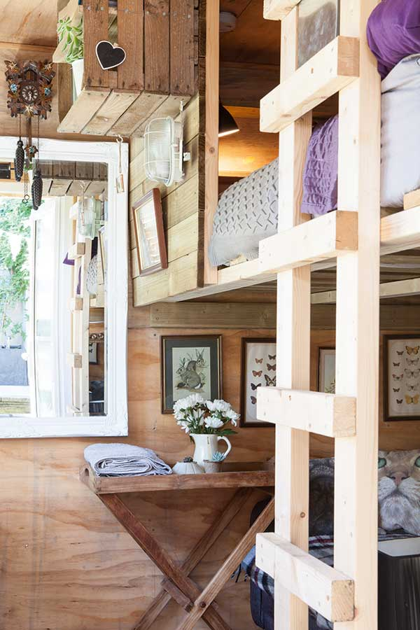 wooden_bunk_beds