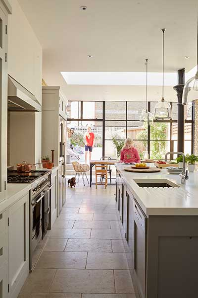 Bright kitchen-diner extension