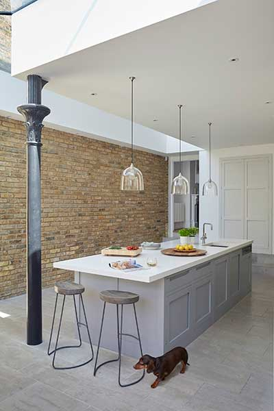Bright kitchen diner extension Real Homes : grey kitchen island from www.realhomesmagazine.co.uk size 400 x 600 jpeg 25kB