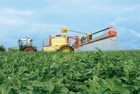 The new mechanism is planned to be attached to the spraying boom on the tractor