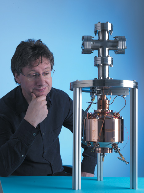 The device measures the speed of gas molecules