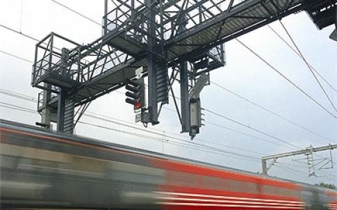 /d/m/v/TE_Train.jpg