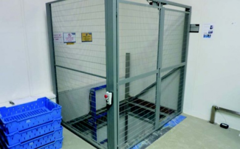 Mezzanine lift for Il Fornaio