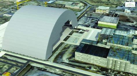 Building a new shield to encase the Chernobyl power station