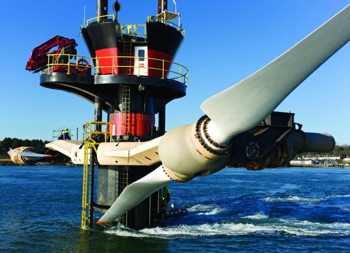 Unterwasserturbine liefert Strom aus Ebbe und Flut