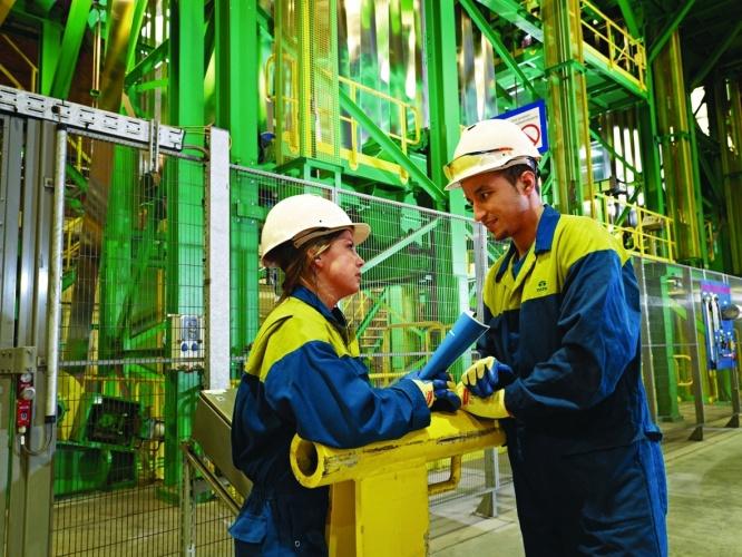 /g/n/x/Tata_Steel_graduates.jpg